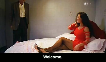 دختر برهنه, شاشیدن, در حالی سکس خوب وباحال که ایستاده در حمام