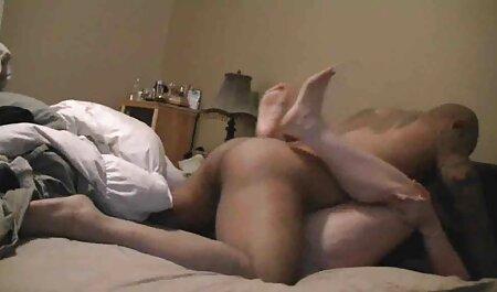 حشری, باکره, گسترش دانلود فیلم سکسی باحال خارجی پاهای او را بر روی نیمکت