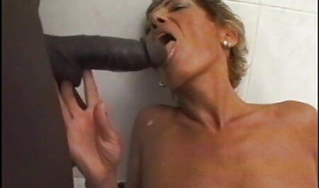 او گرفتار دختر سکس از کون باحال خود را با dildo و کشیده دیک خود را