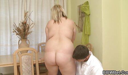 anyaaaa خودش را نشان می دهد در وب کم, fucks در در فاحشه سکس خوب وباحال خانه در بیدمشک و الاغ در همان زمان