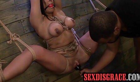 بچه ها مسخره دختران در خیابان و ارائه آنها سکس پورن باحال ارتباط جنسی برای پول